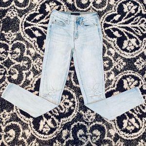 Aeropostale light destroyed jeans size juniors 00
